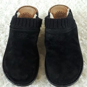 Uggs clogs.